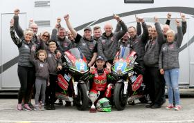 Glenn Irwin clinches Supertwins double at Sunflower Trophy